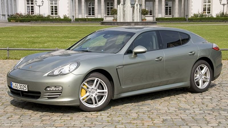 first drive 2011 porsche panamera conceals a v6 but gives up little else in the transplant. Black Bedroom Furniture Sets. Home Design Ideas