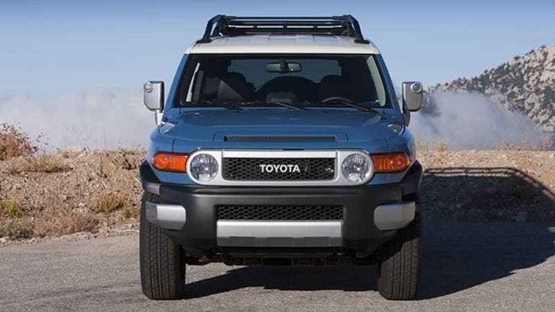 Toyota debuts Army Green FJ Cruiser Trail Teams edition in blue