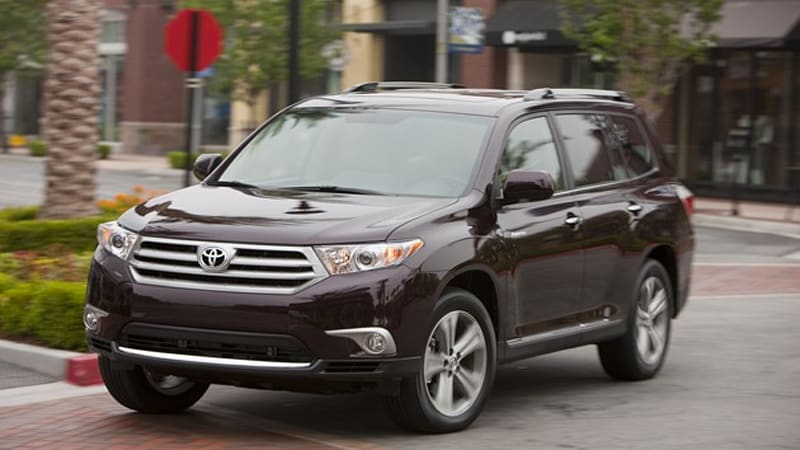 2011 toyota highlander 2011 toyota highlander shows up for america, gets new look and 2011 Toyota Highlander Limited Interior at gsmx.co