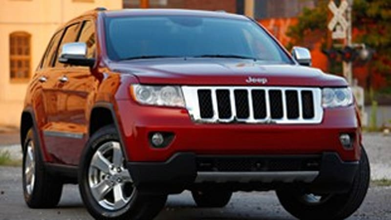 jeep grand cherokee bests toyota 4runner in latest consumer reports testing autoblog. Black Bedroom Furniture Sets. Home Design Ideas
