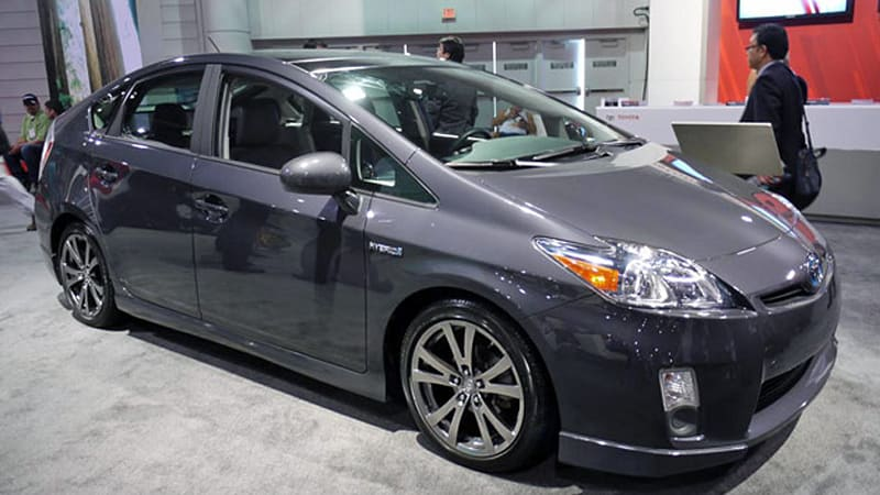 Sema 2010 Toyota Gets Its Sport Hybrid On With Prius Plus Performance Package