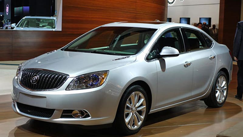 detroit 2011 2012 buick verano is quietly powerful autoblog. Black Bedroom Furniture Sets. Home Design Ideas