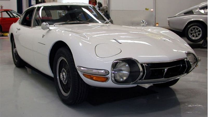 ebay find of the day 1967 toyota 2000gt makes our hearts sing autoblog. Black Bedroom Furniture Sets. Home Design Ideas