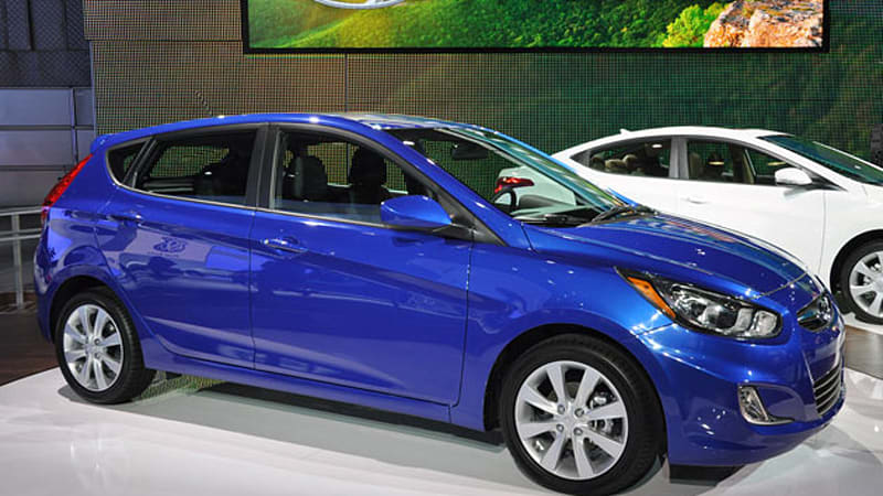 Hyundai Accent Mpg >> New York 2011 2012 Hyundai Accent Offers 40 Mpg For 12 445 Autoblog