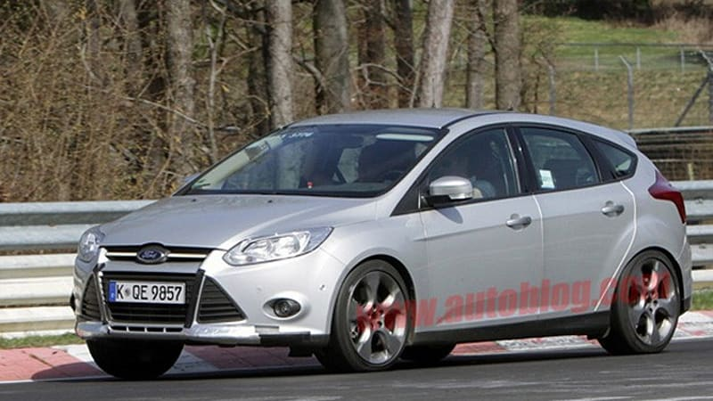 Spy Shots: Ford Focus ST caught cold-weather testing and