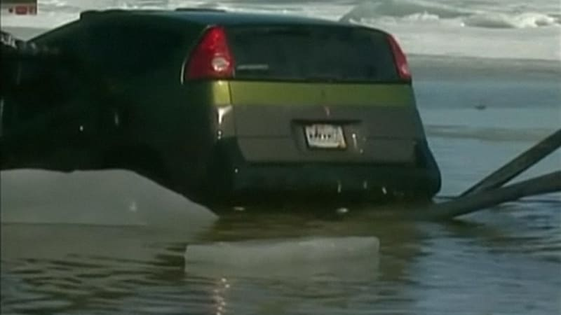 36 cars fall through ice at wisconsin fishing tournament for Wisconsin fishing tournaments