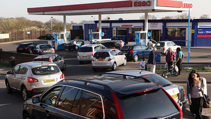 Government warning sparks fuel-buying surge in UK - Autoblog