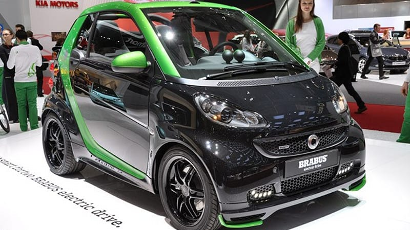 smart fortwo brabus electric drive is a black and green. Black Bedroom Furniture Sets. Home Design Ideas