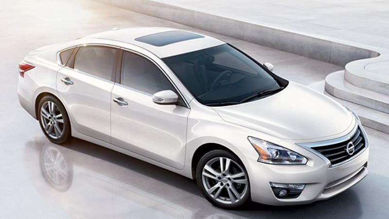 2013 Nissan Altima debuts, does 38 MPG HWY and priced from