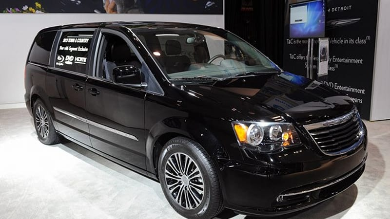 2013 chrysler town and country s adds a dash of cool to your schoolhouse run autoblog. Black Bedroom Furniture Sets. Home Design Ideas