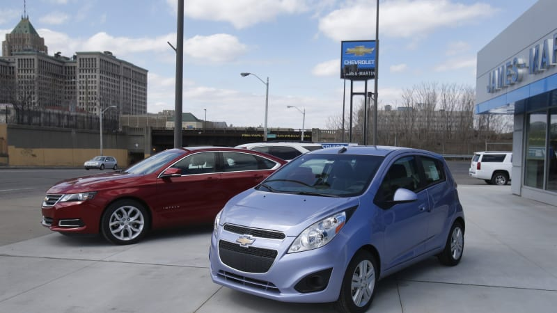 Sierra Club finds few dealers carry EVs; those that do don't know much about them