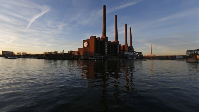 Volkswagen to shut coal-fired power stations at Wolfsburg factory to cut CO2