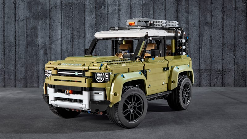 2020 Land Rover Defender Lego kit is mechanically very accurate