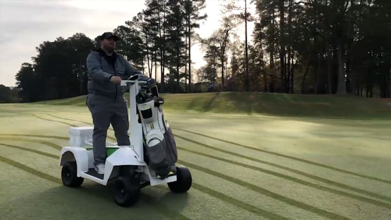 Navigate the golf course in style with the Caruca 1