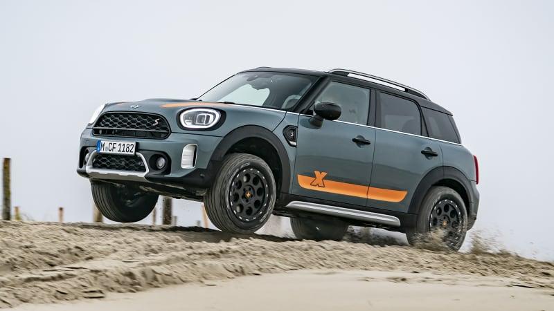 Mini Countryman X-Raid gets some off-road chops courtesy of the Dakar team