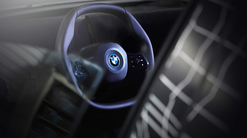 2021 BMW INext Is Fully Autonomous SUV >> Bmw Unveils Inext Ev Crossover S Polygonal Steering Wheel