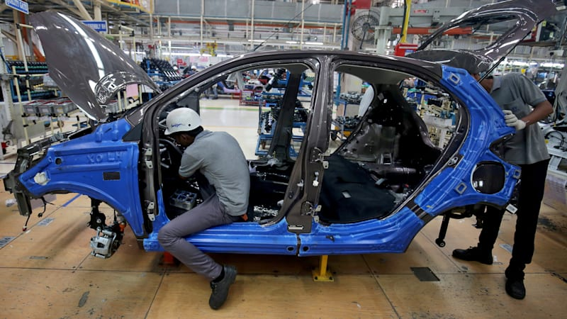 India's auto industry lays off many tens of thousands as sales slump