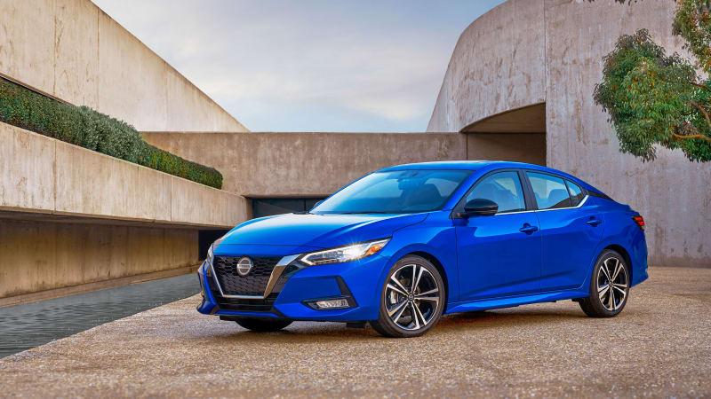 2020 Nissan Sentra talks a walk on the upscale side