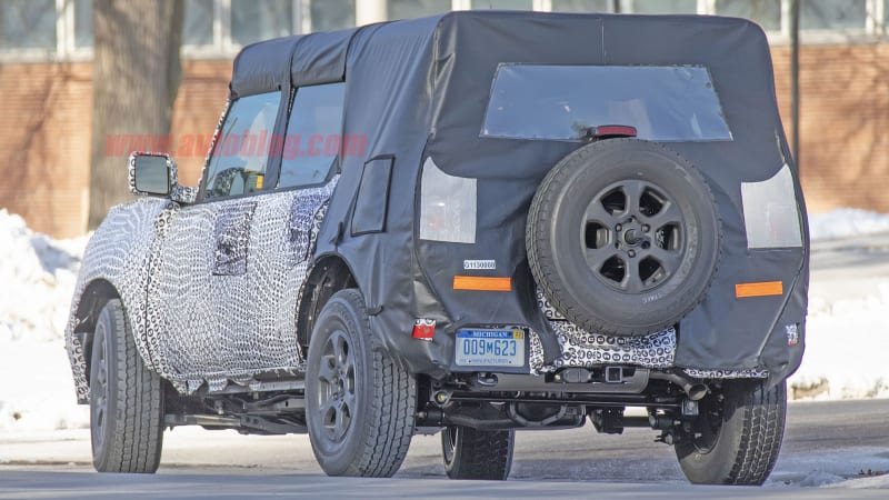 New shots of the 2021 Ford Bronco show suspension, removable roof
