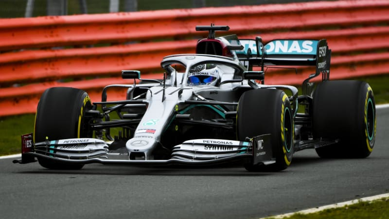 Lewis Hamilton dismisses F1 rivals' talk as 'sign of weakness'