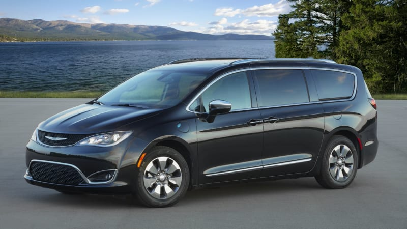2020 Chrysler Pacifica Review | Hybrid, price, specs, features and ...