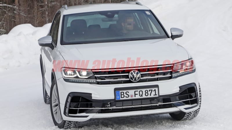 2021 Volkswagen Tiguan R shows off its lines in new spy photos