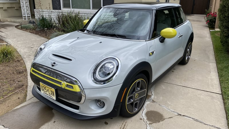 The electric Mini SE crushes its EPA range estimate in our real-world test