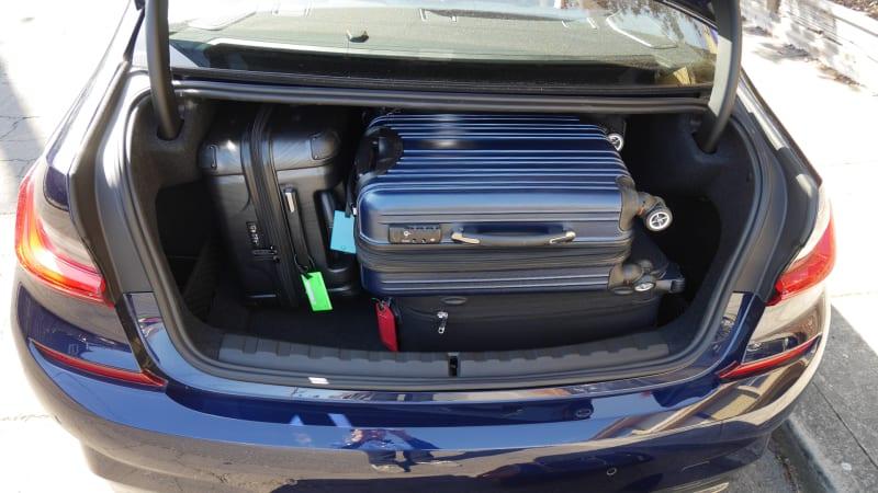 2020 BMW M340i trunk test max fill