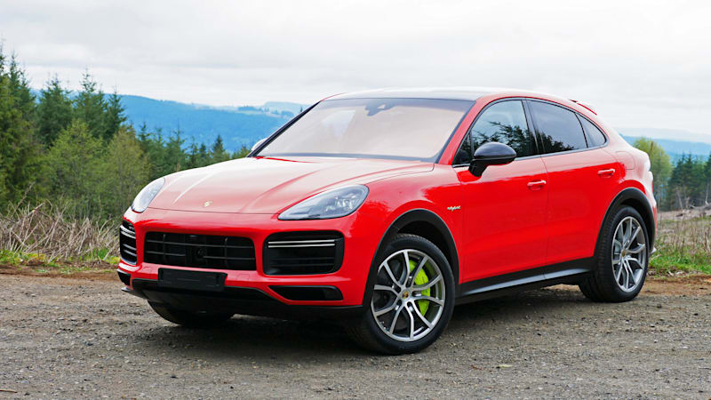 2020 Porsche Cayenne Coupe Turbo S E Hybrid Road Test Performance Handling 0 60 Lightweight Sport Package Autoblog