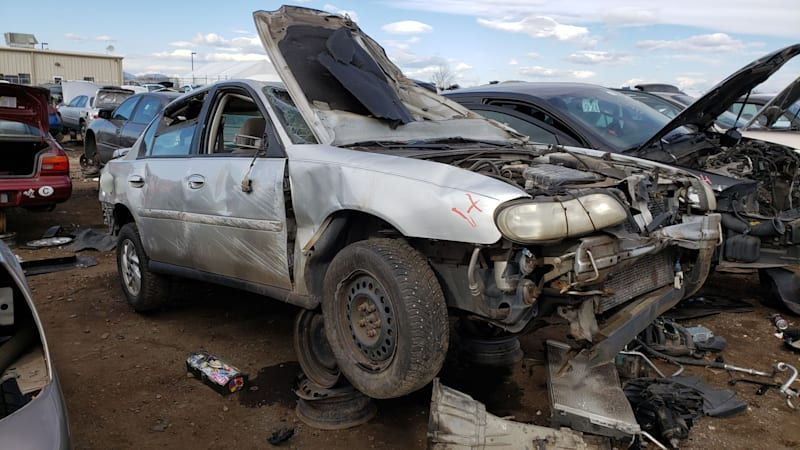 00-2004-Chevrolet-Classic-in-Colorado-Junkyard-photo-by-Murilee-Martin.jpg