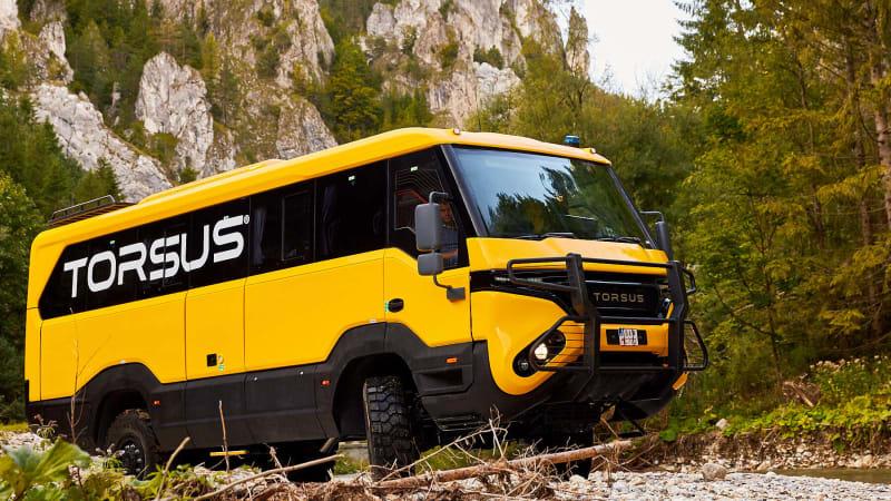 torsus_praetorian_4x4_bus_0011.jpg