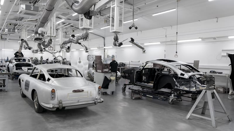 aston-martin-db5-goldfinger-continuation-car-production-14.jpg