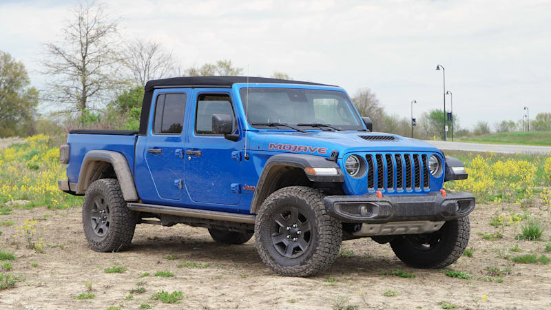 2020 Jeep Gladiator Reviews | Price, specs, features and photos