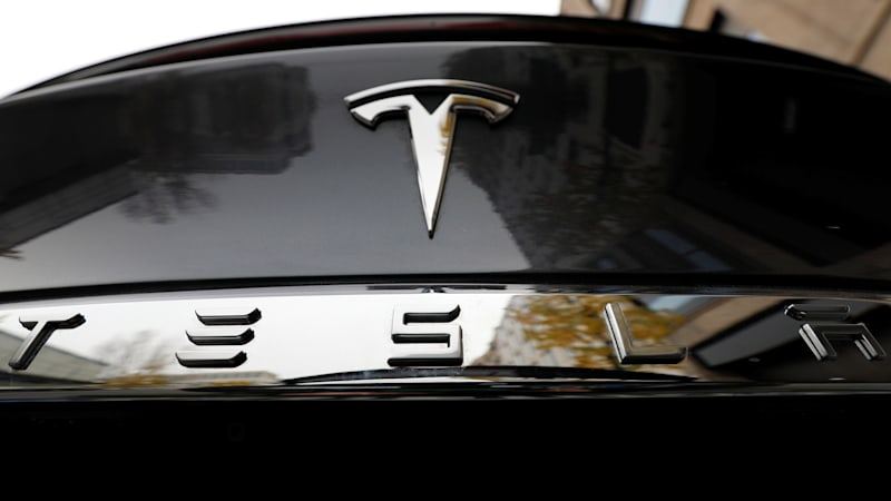 Tesla Signs Three Year Deal With Panasonic On Electric Car Batteries Autoblog