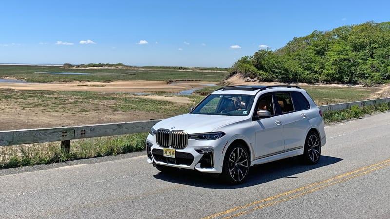 2020-BMW-X7-M50i-front-34.jpg