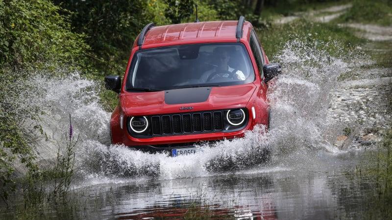 2021-jeep-renegade-4xe-2.jpg.jpg