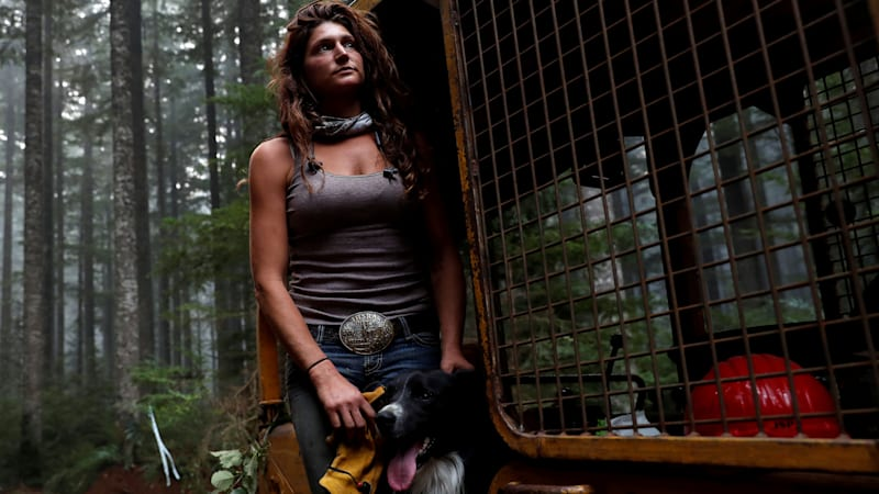 'Hillbilly Brigade' fought Oregon fires with pickup trucks, bulldozers