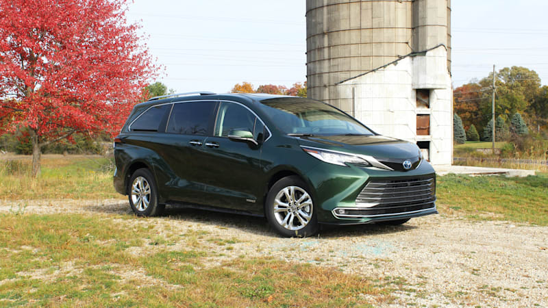 2021 Toyota Sienna Review | It's a big deal