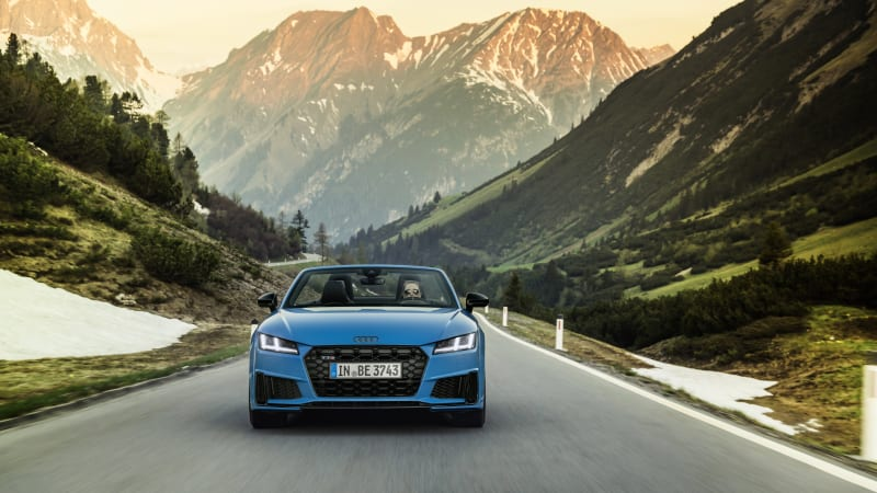 Audi TT gets two sporty appearance packages for the global range