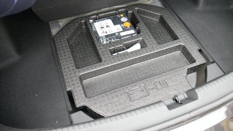 2021 Acura TLX luggage test foam plug