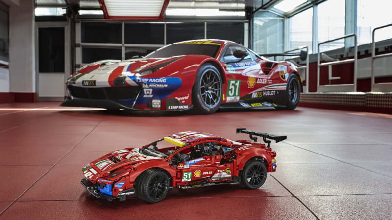 Lego Technic Ferrari 488 GTE AF Corse kit announced