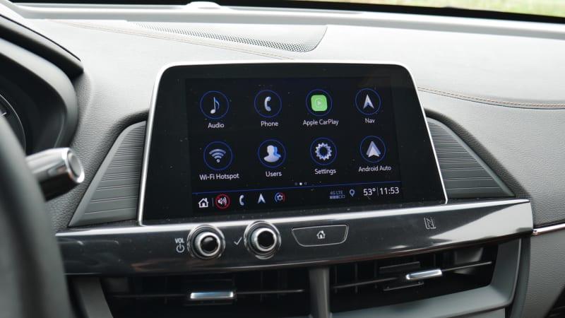 2021 Cadillac CT4 touchscreen