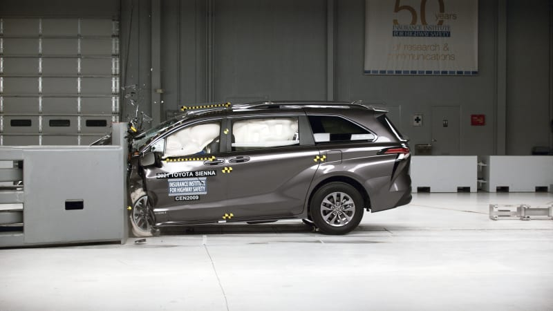 Redesigned 2021 Toyota Sienna earns an IIHS Top Safety Pick+ award