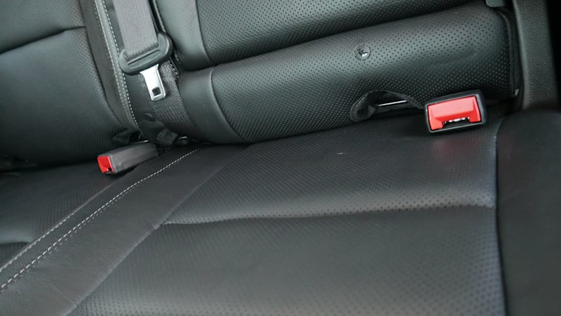 Тест подъездной дорожки к заднему сиденью Ram 1500 TRX 2021 года | Прыгай в ущелье с детьми!
