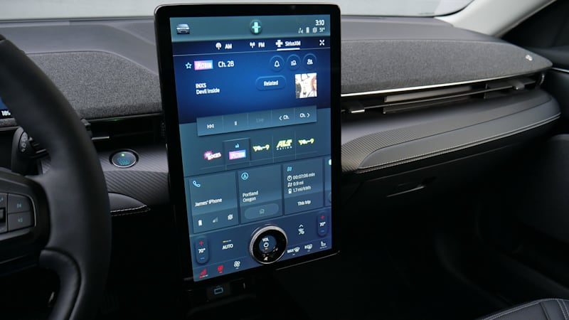 2021 Ford Mustang Mach-E Infotainment Driveway Test