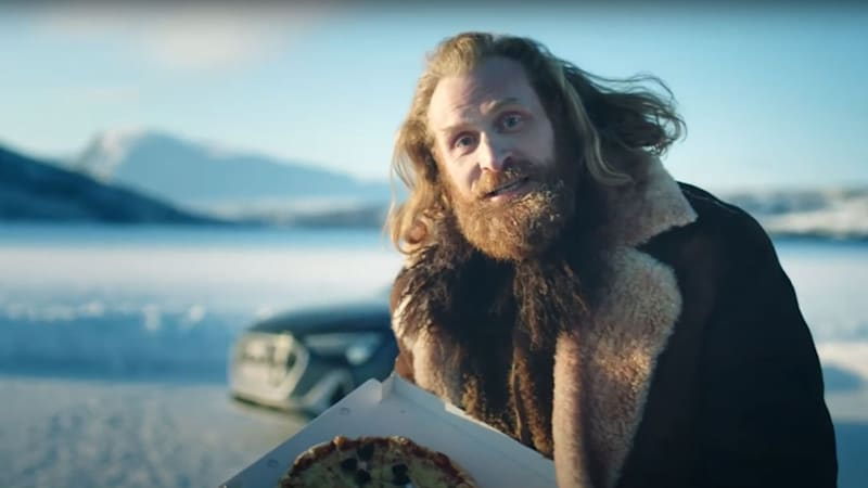 Automakers respond to GM s #NoWayNorway Super Bowl spot with... pizza and fish?