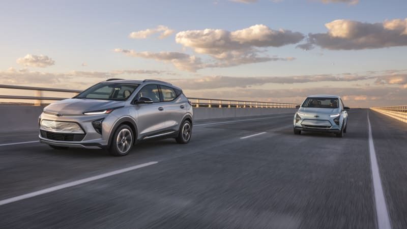 2022 Chevrolet Bolt EUV introduced along with revised Bolt EV
