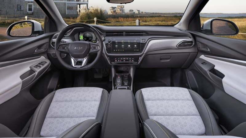 2022 Chevy Bolt EUV and Bolt EV: new styling, interiors lower prices