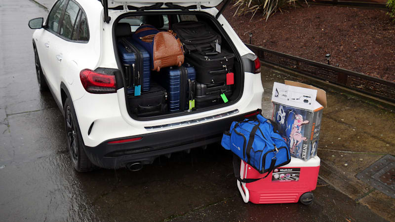Mercedes-Benz GLB против GLA Тест багажа | Насколько больше коробка?