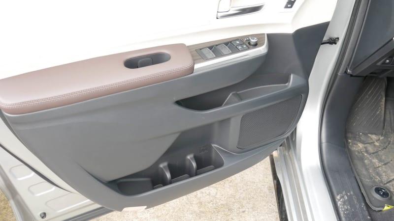 2021 Toyota Sienna interior storage front door stoage